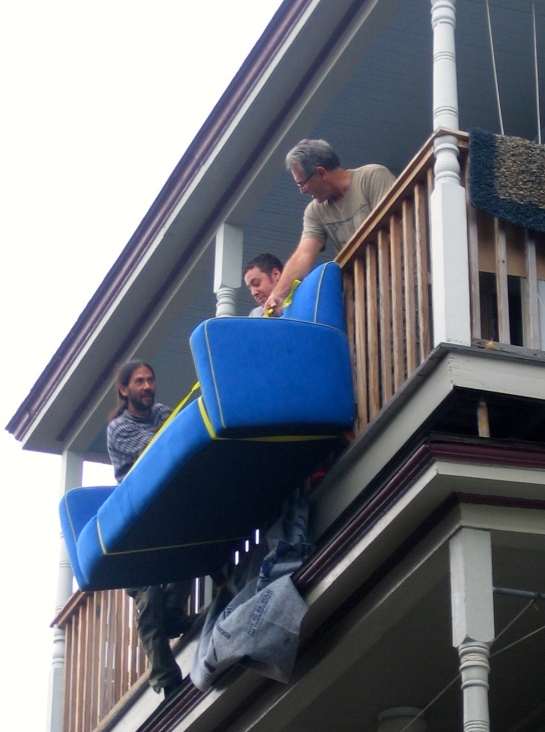 nothing like a few bored neighbors to lend a hand!