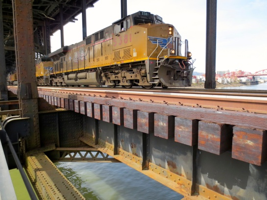big train comin' thru the Steel Bridge, photo by Ben