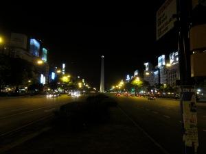 el Obelisco en la Av. 9 de Julio