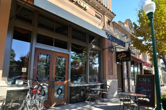 Carlton Café & Bakery