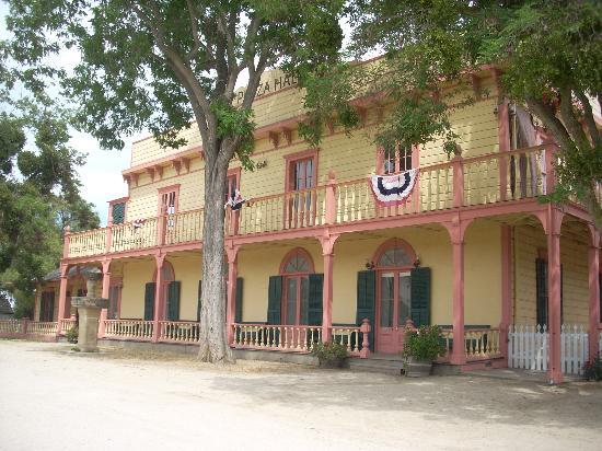 plaza-hall